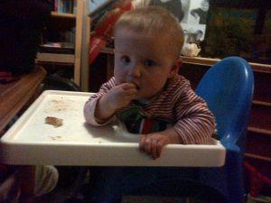 Wanneer baby zelf brood eten